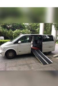 maxi_cab_side_loading